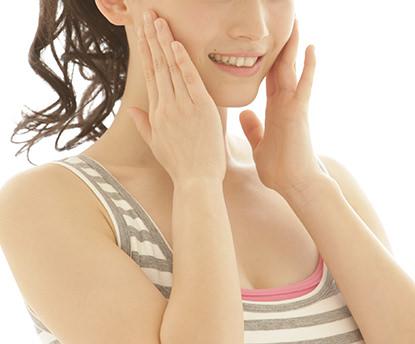 骨盤は調整するとなぜ顔に影響するのですか?