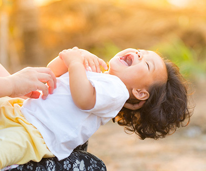 バイバイ、おっぱい~一生懸命おっぱいを我慢する2歳児~